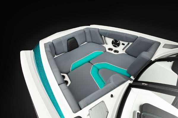 Malibu-21-MLX-BOW-SEATING